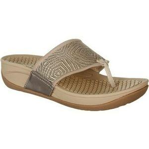 BareTraps Women's Dasie Wedge Flip Flops Sandals 8